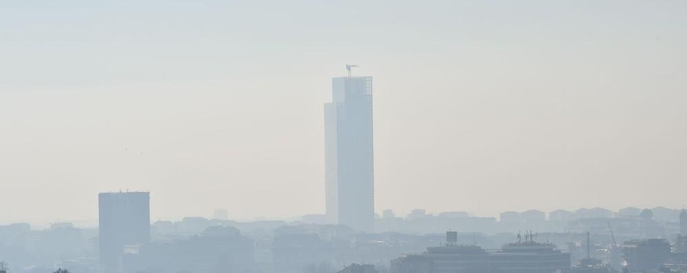 Smog: Vella, traffico e riscaldamento lacune del piano Italia