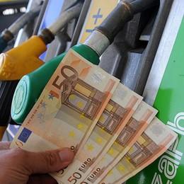 Benzina «salata» anche a Bergamo Su L'Eco l'andamento dei prezzi in città