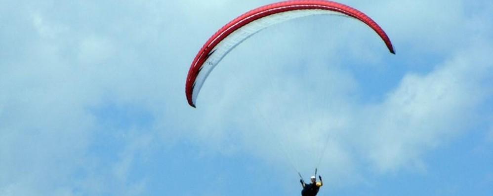 Cade in parapendio, 55enne gravissimo Dalla Valtellina corsa al Papa Giovanni