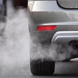 Smog, da ottobre stop a 54 mila diesel Scopri se la tua auto è «fuorilegge»