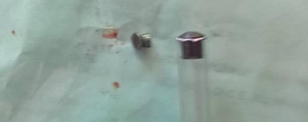Donna colpita alla testa da un piombino Giallo a Terno: la vittima era per strada
