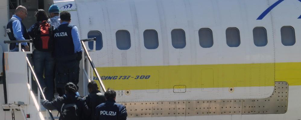 Migranti: Ue, più centri detenzione e rimpatri