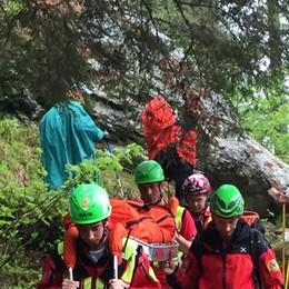 62enne ferita sul sentiero Scattano i soccorsi a Carona