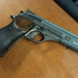 Minaccia quattro ragazzi con una pistola Arrestato 49enne dai carabinieri