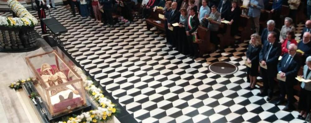 In cattedrale la veglia con Papa Giovanni Tantissimi fedeli in preghiera - Video