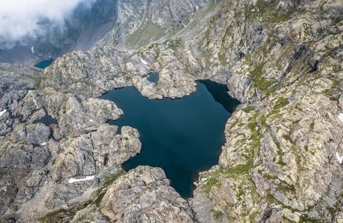 Il lago Gelt a forma di cuore, una delle foto più virali di GuidoFly