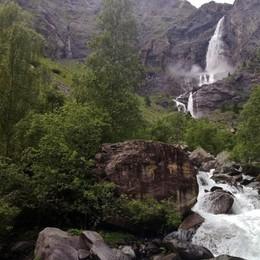 L'inatteso salto delle cascate del Serio Spettacolo anticipato dalla super pioggia