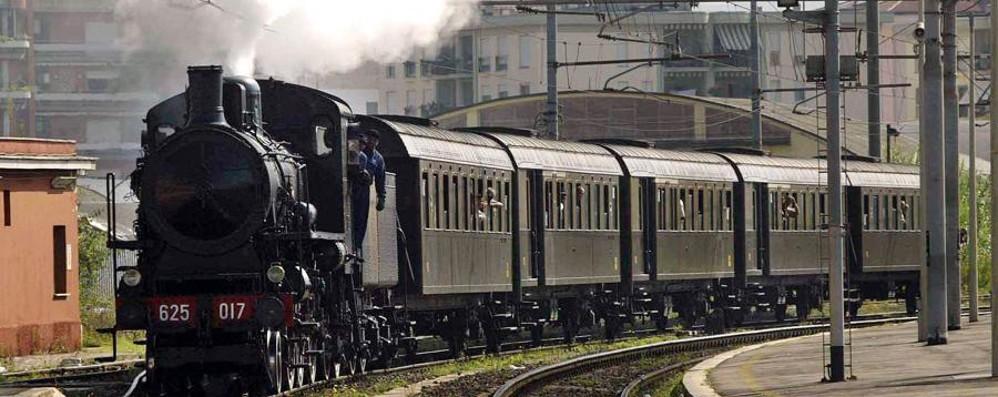 Su un treno storico verso il lago Da domenica torna il «Sebino Express»