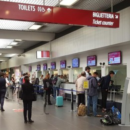 Aeroporto di Orio, sciopero dei controllori Ryanair cancella 35 voli in tutto il giorno
