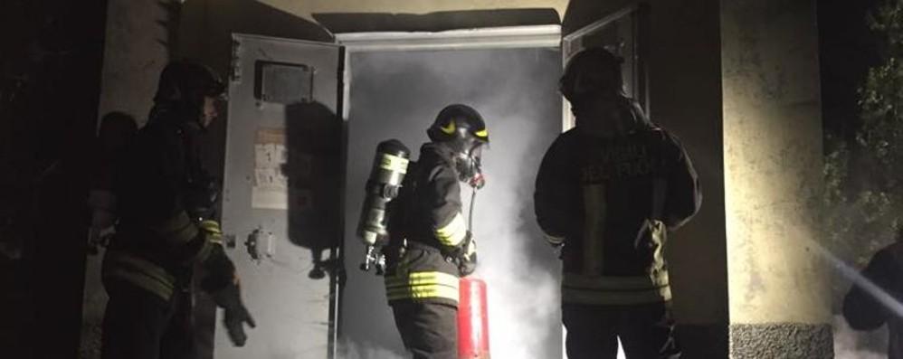 Brucia cabina Enel, in duemila al buio Vigili del fuoco a Scanzorosciate - Video