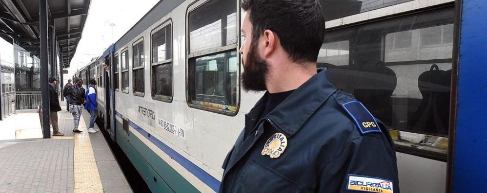 Aggressioni sui treni, la Regione: «Non escludiamo di mettere i militari»