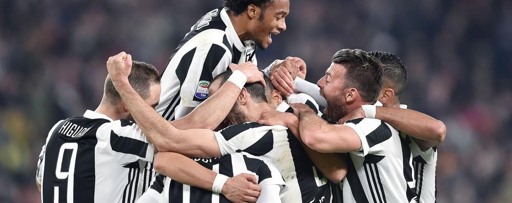 Stasera Juve-Milan: tutti davanti alla tv Vantaggio bianconero, bene per l'Atalanta
