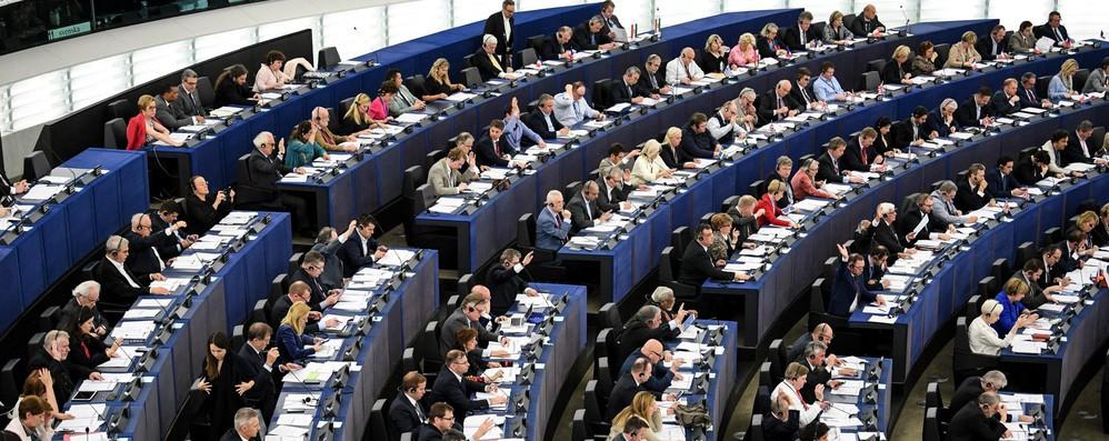 Giro di vite sul lavoro precario dall'Europarlamento