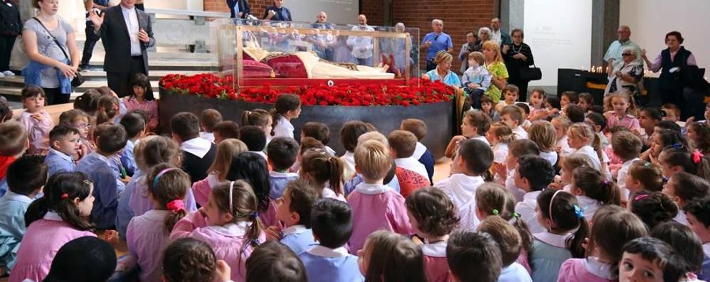 #GiovanniXXIII, il ritorno in Vaticano Volontari e fedeli, la gioia a Sotto il Monte
