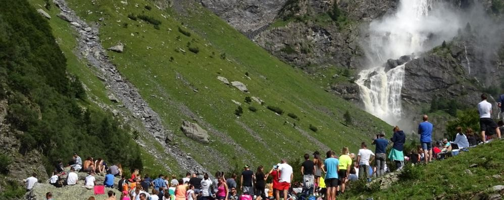 Ritorna il salto più bello della Bergamasca Dal 17 giugno aprono le cascate del Serio