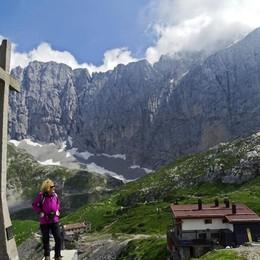 «La croce di Colere, simbolo di tutti» Raccolta fondi per il restauro in chiesa