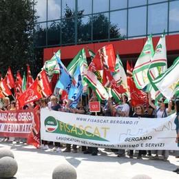 Mediaworld, apprensione fra i lavoratori Presidio per dire no al trasferimento