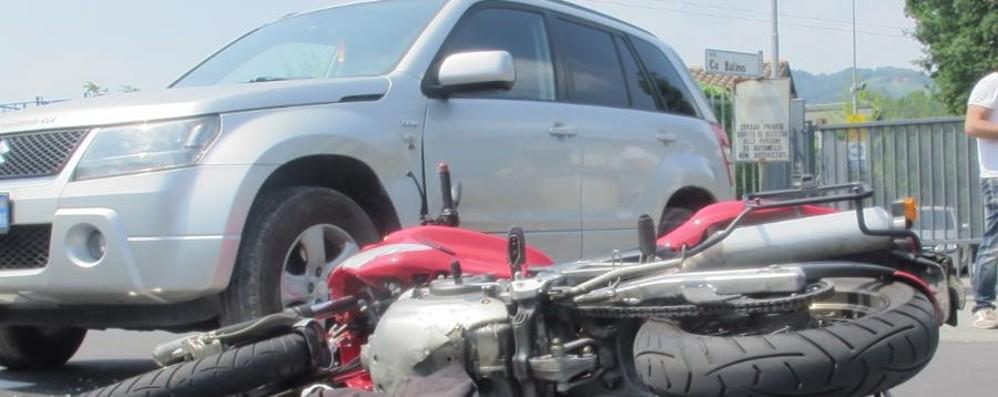 Sotto il Monte, ancora un incidente  in moto Scontro con un'auto: ferito un 46enne