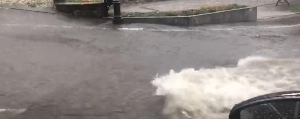 Bomba d'acqua nelle valli - Video A Parre le strade diventano fiumi