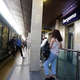 Bergamo-Treviglio, giornata nera Dieci treni dei pendolari cancellati