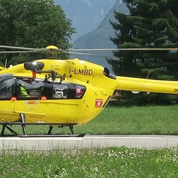 Si perde e chiede aiuto via Facebook Recuperata 39enne con l'elicottero