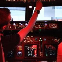 Il super simulatore di volo a Bagnatica C'è pure il corso per chi soffre il mal d'aria