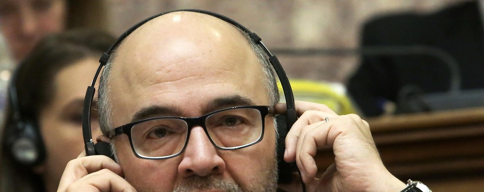 Migranti: Moscovici, sanzioni a chi rifiuta la solidarietà