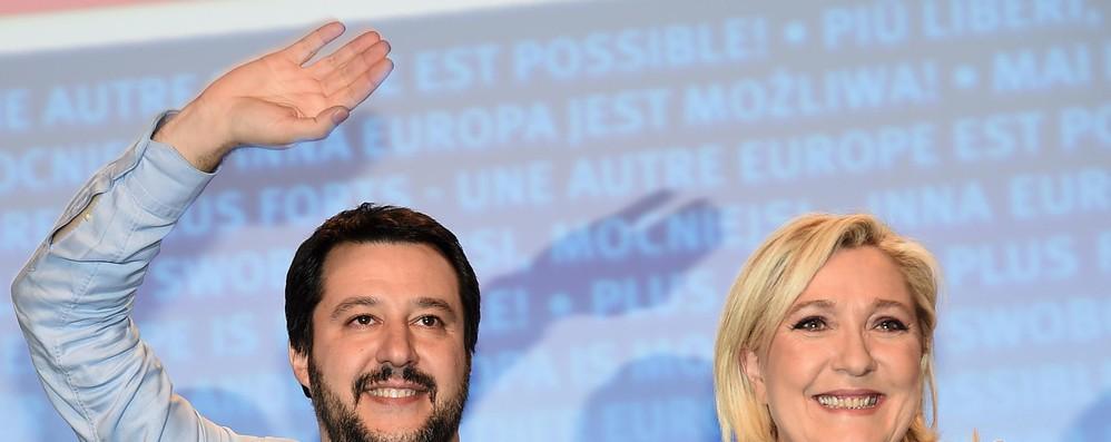 Migranti: Le Pen, 'fase entusiasmante, via Ue immigrazionista'