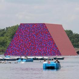 Dopo Floating piers ecco la «Mastaba» Inaugurata la nuova opera di Christo