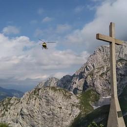 I video di Moro in volo per croce di Colere Avanti con le donazioni per il restauro