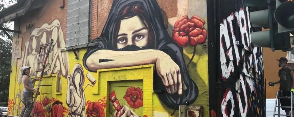 La strada è una tela – Prima e dopo E l'arte sui muri ridisegna Bergamo