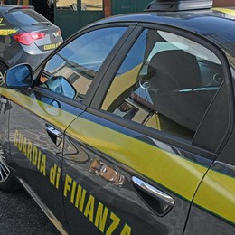 Pagavano i lavoratori tre euro all'ora Due denunce nel Basso Sebino