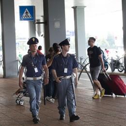 Polizia all'aeroporto di Orio, i sindacati: «Un solo agente per i rinforzi estivi»