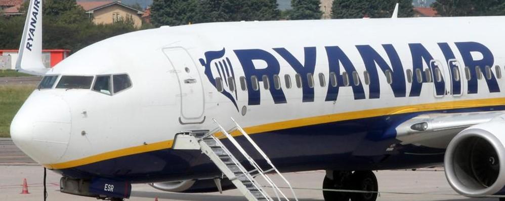 Ryanair, novità nell'imbarco Bagagli a mano senza costi al check-in