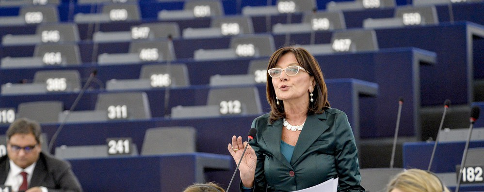 Toia-Bresso (Pd), M5S-Lega votano per aiuti a chi esce euro