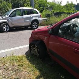 Canonica, schianto tra due auto -Foto Ferite due donne, grave una 65enne