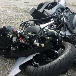 Schianto in moto, ancora grave la 22enne Nell'incidente è morto l'amico Nicolò