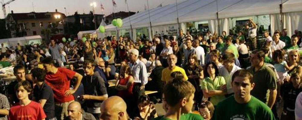 I conti «piangono»: tagli alle feste estive Lega Nord e M5S attenti al portafoglio