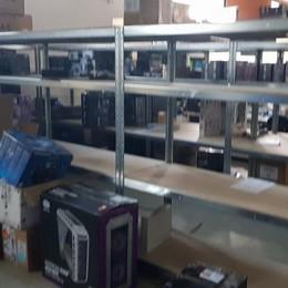 Maxi furto informatico ad Azzano Colpo da 100mila euro, appello dei titolari