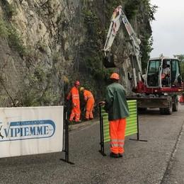 Riaperta la strada rivierasca sul Sebino Ma è polemica: scatta la raccolta firme