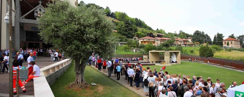Il mondo politico a Sotto il Monte Venerdì i giovani di Bergamo