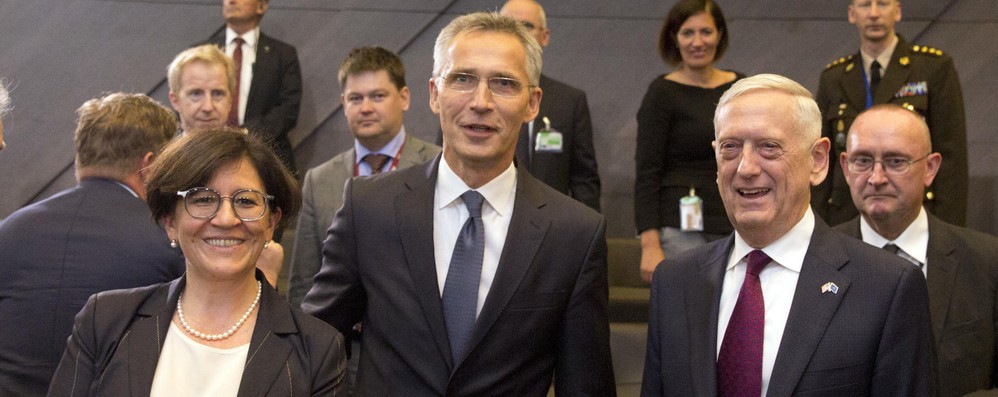 Nato: bilaterali Trenta con colleghi Gran Bretagna, Francia e Australia