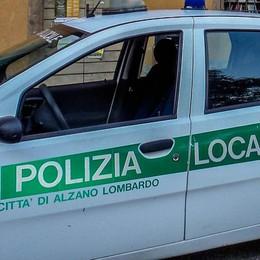 Tenta di rubare la radio della polizia Preso un 52enne ad Alzano Lombardo