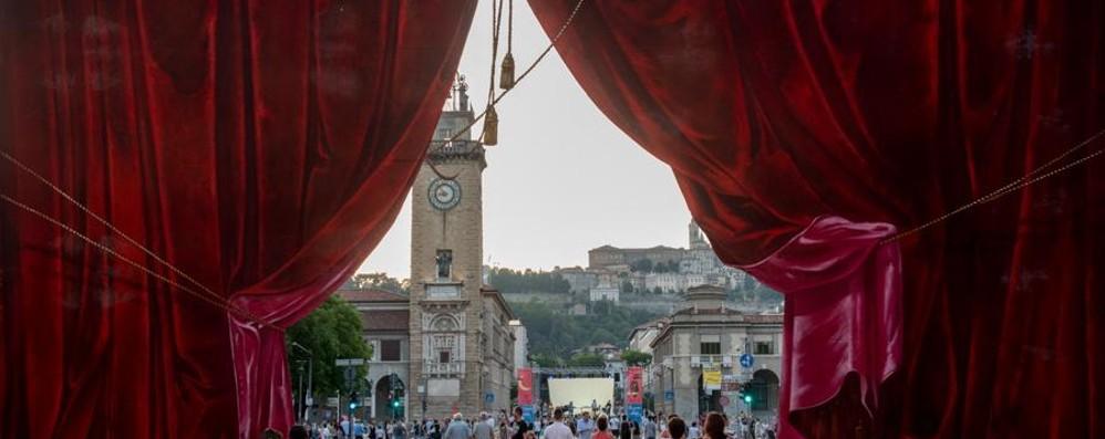 Ventun palcoscenici in centro a Bergamo Torna la Donizetti night tra musica e teatro