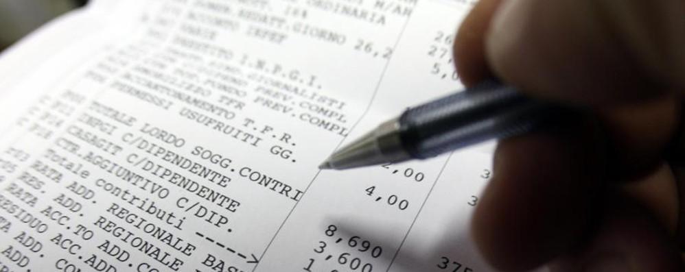 Busta paga, ecco le nuove regole Da luglio stop al pagamento in contanti