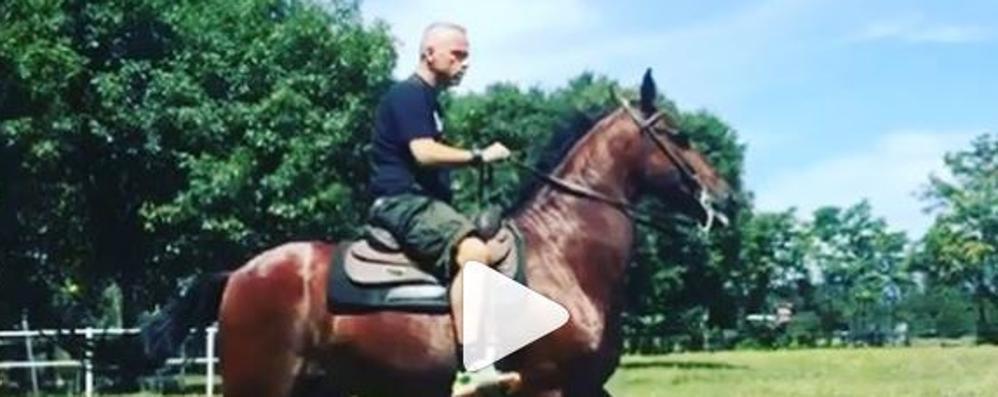 Eros Ramazzotti in gita a Spirano «A cavallo nella pampa bergamasca»