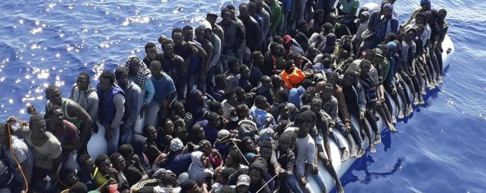 Migranti, lo stop a Salvini e l'Ue