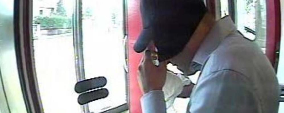 Sette rapine in banche della Bergamasca Sgominata banda di «trasfertisti» del crimine