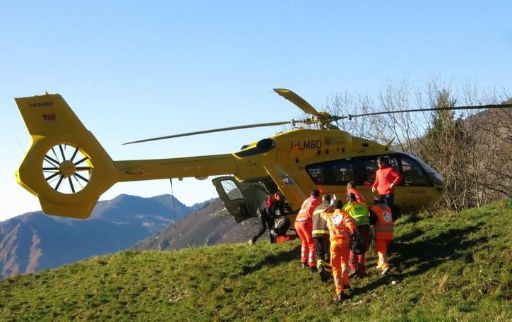 Cade dalla bicicletta su un sentiero Grave 40enne, elisoccorso a Schilpario