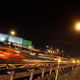 Grave incidente nella notte in A4 Sei persone ferite nello schianto